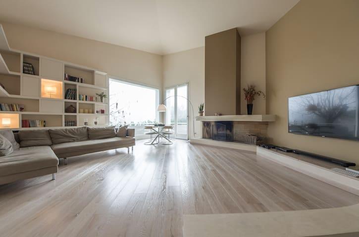 Modern Villa in the Chianti Region - Castelnuovo dei Sabbioni - Villa