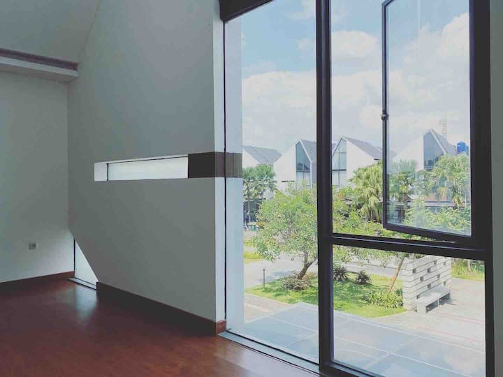 3BR Modern Smart Home with Huge Windows in Rempoa