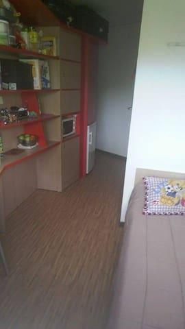 chambre 11m2  à 15 euros - Montpellier - Inny