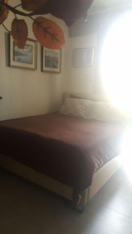 Studio room w/ kitchen & private bathroom, Makati - Makati - Apartment