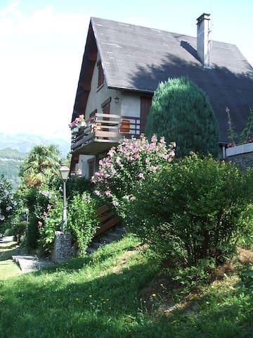 Chalet de Marinette, appart. pour 2, vue Montagnes