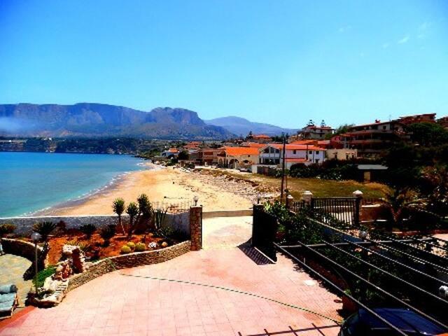 Villa con accesso diretto spiaggia