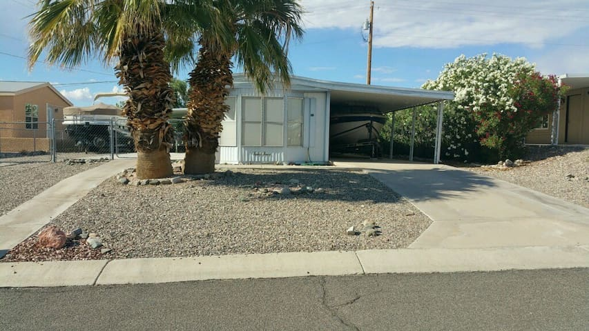 Lake Havasu Home 2 Bed 2 Bath By Lake Boat Parking