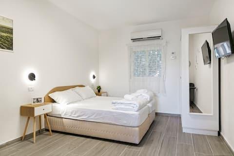 Chambre double calme et de haute qualité dans un environnement vert et pastoral