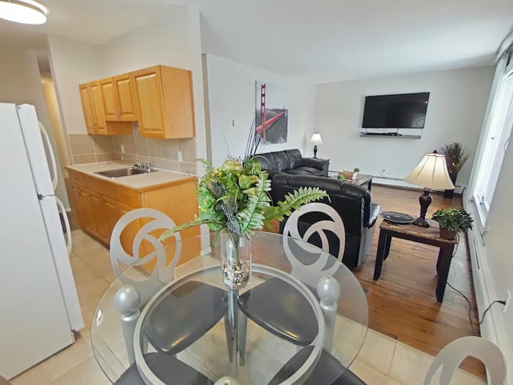 Clean Two Bedroom Apartment in West Park Area