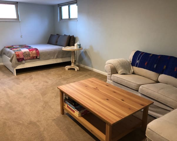 Spacious Basement Bed&Bath near LoDo & Mountains