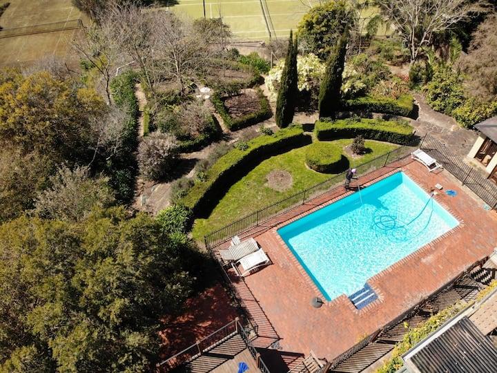 Mt Martha Private  Resort - Pool, Tennis Court,Spa