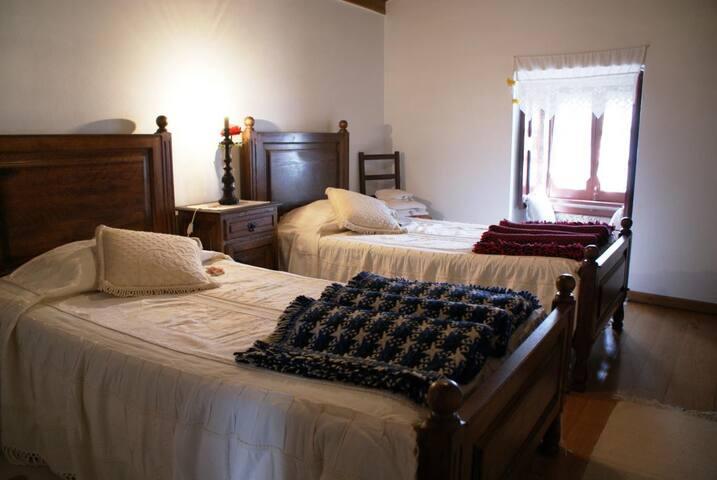 Casa das Videiras em Soajo (PNPG) - Soajo - Villa