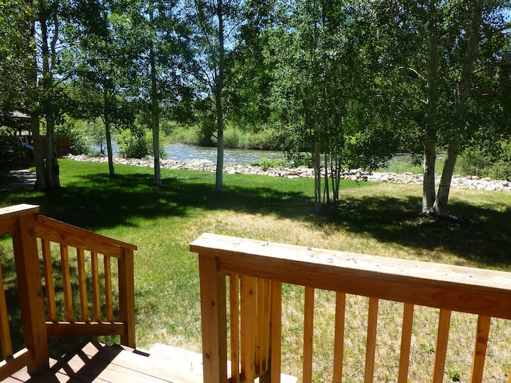 Quiet Cabin on the Gunnison River. Private Fishing