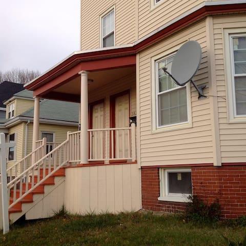 3-BR Apartment near Back Cove