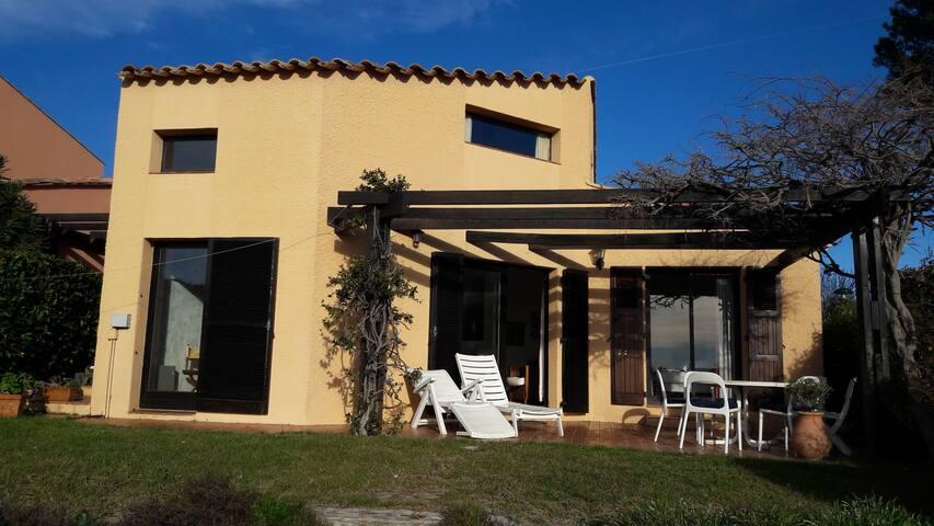 Villa familiale dans domaine privée à Valbonne - Valbonne - House