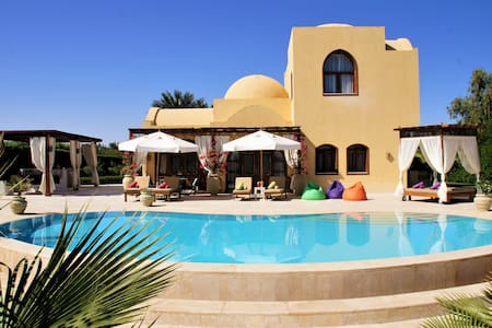Villa Yasmina with heated pool/lagoon, El Gouna