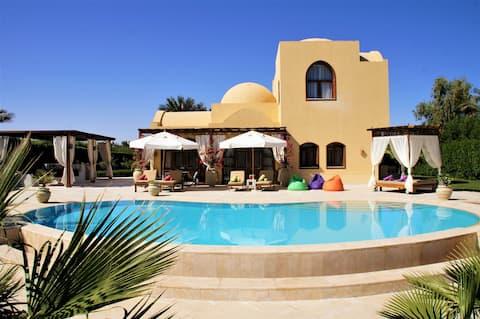 Villa Yasmina with heated pool/lagoon, El Gouna
