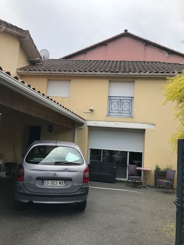 Maison chaleureuse au centre de Vic-Fezensac