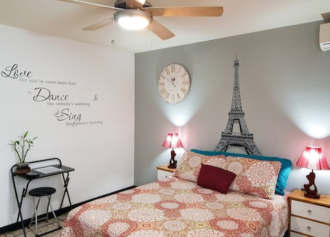 Modern Room with Netflix in exclusive area!