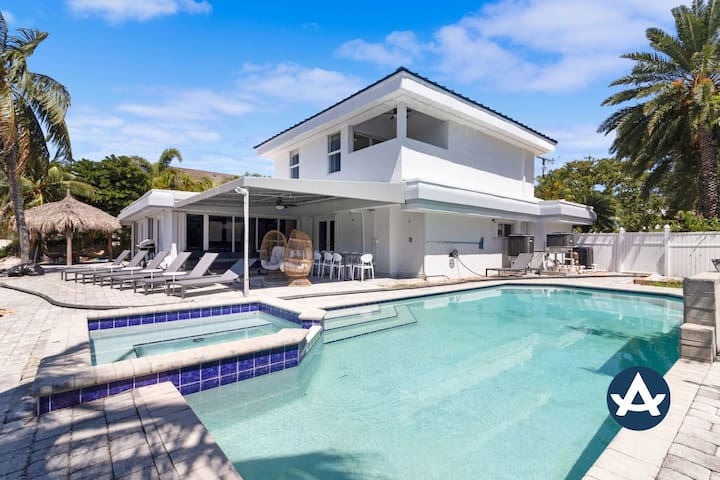 Sextant | Waterfront Villa | Heated Pool on the Intracoastal | 10 mins to Beach