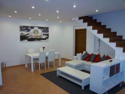 Piano mansardato con 2 camere e bagno privato