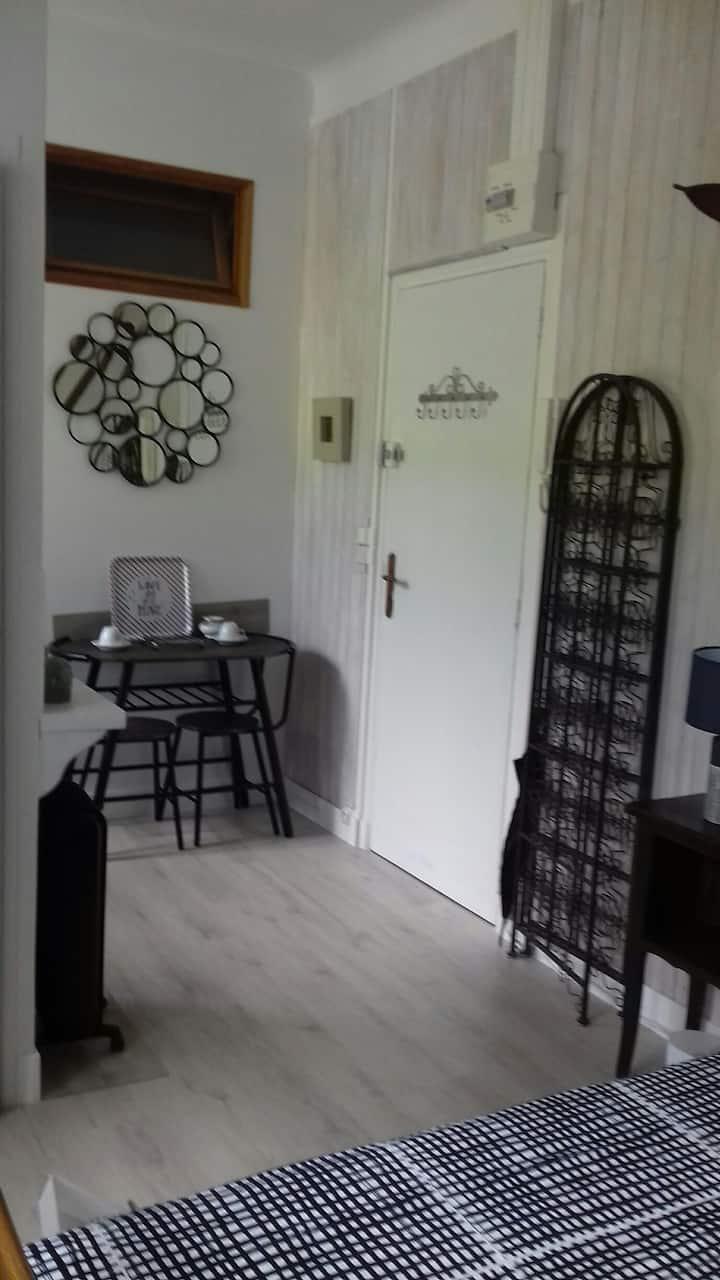 Studio à 5MN à pieds du centre village Beauvezer