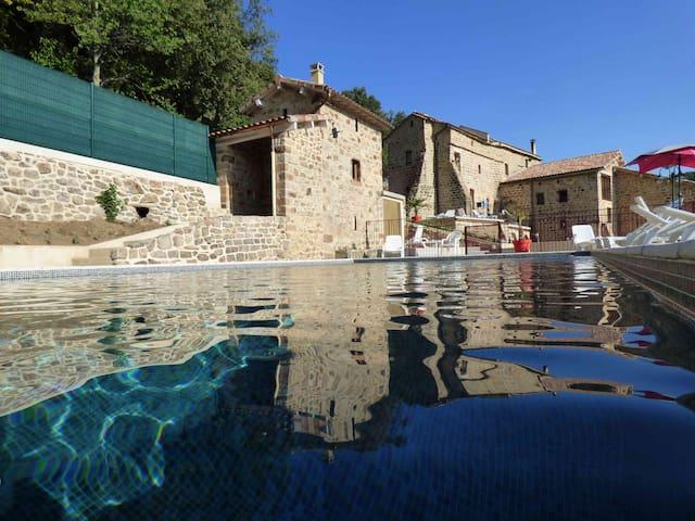 Logement neuf deux chambres dans bastide restaurée - Faugères - Jiné