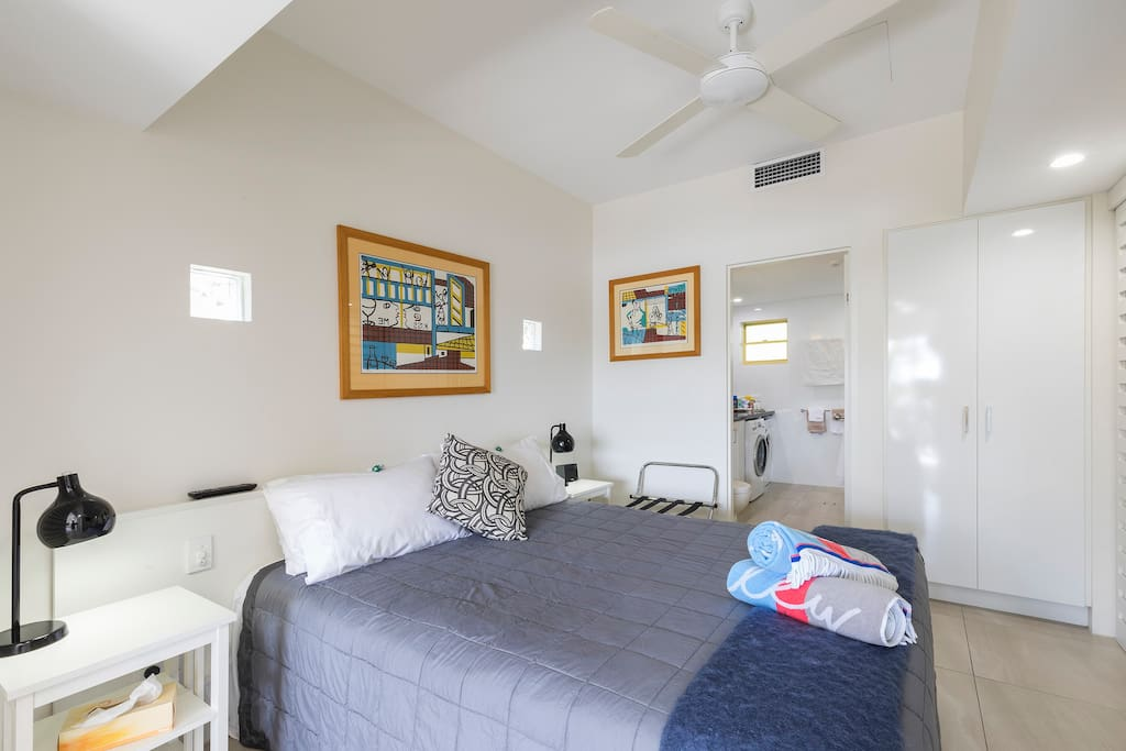 Comfortable Queen Bed, Beach Towels, Luggage rack