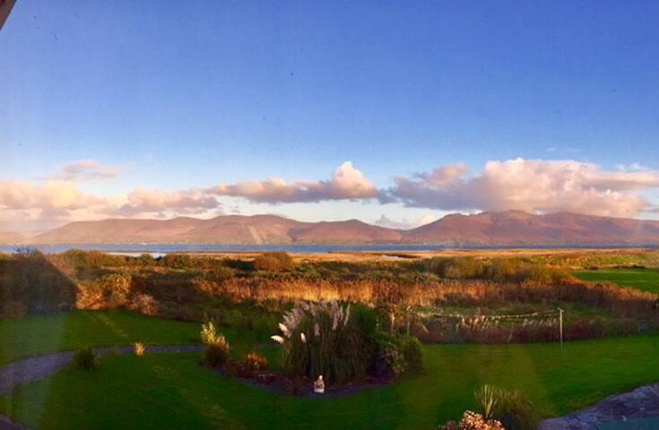 Ring of Kerry, Double room en-suite Coastal Views