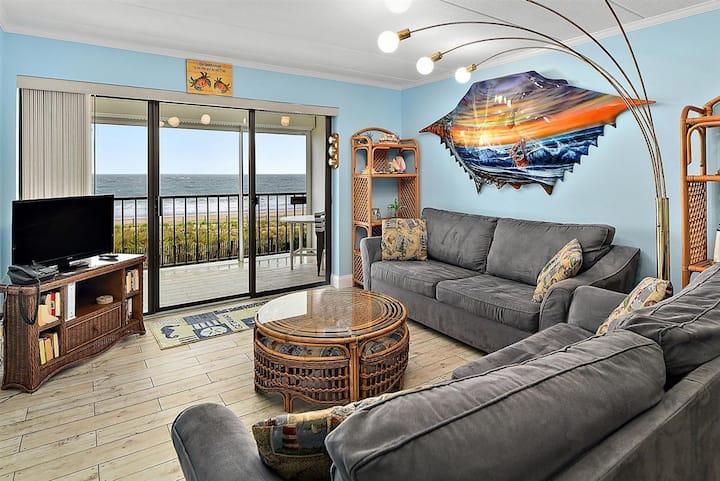 Direct Ocean Front 2 Bedroom Condo in Oceanwalk with Amazing Ocean Views!