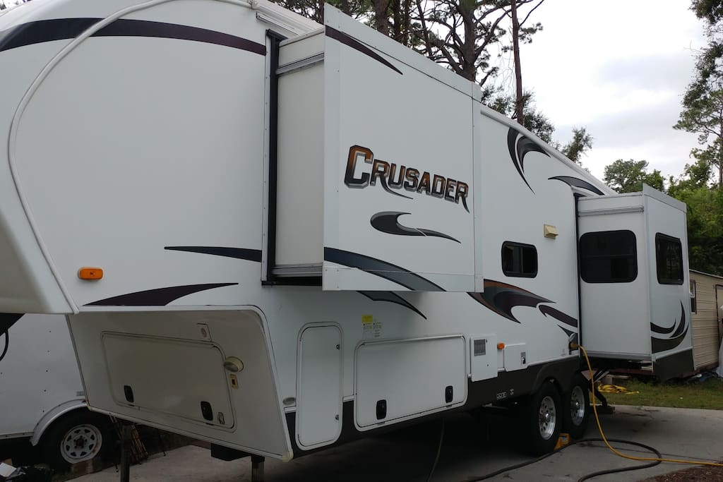 Glamping on the islands in savannah campers rvs for for Trailer rental savannah ga