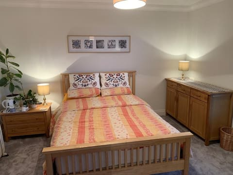 Private double room with own facilities.