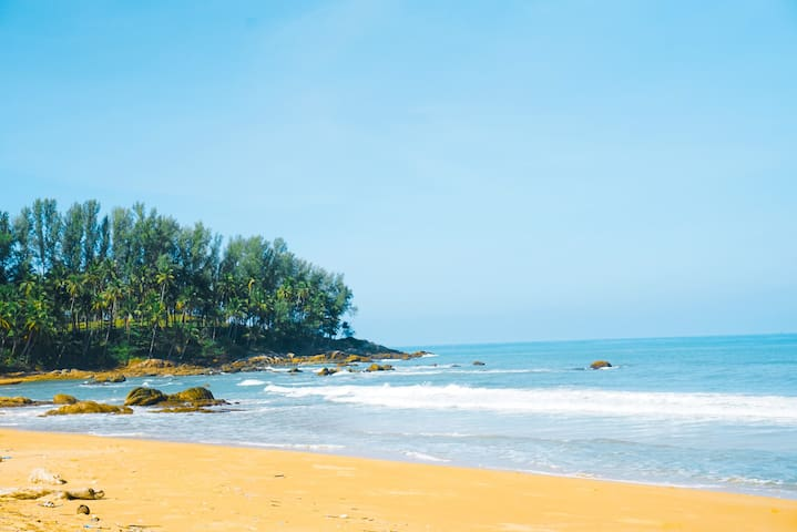普吉岛全新1000平轻奢别墅  带泳池超大花园  步行可到海滩 可赶海含接送机服务【中文管家】