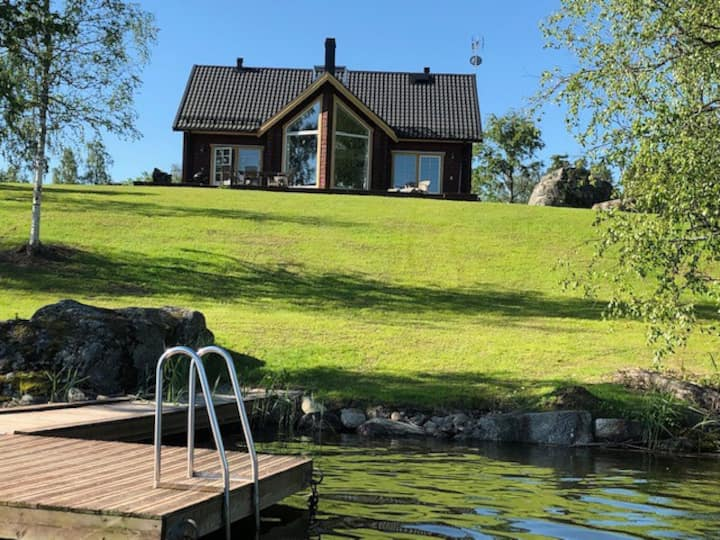 Villa Järvsö, with sauna by the lake