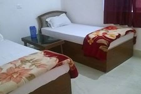 Rama Guest House - Bed & Breakfast