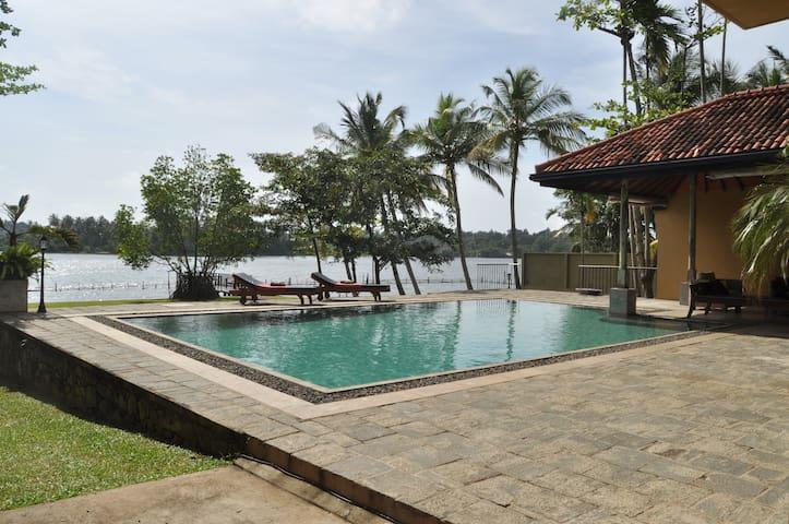 Boutique Villa, Bolgoda lake, Piliyandala, Colombo - Piliyandala - Villa