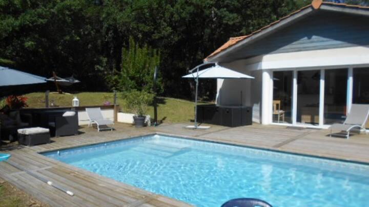 Villa avec piscine chauffée 6 pers