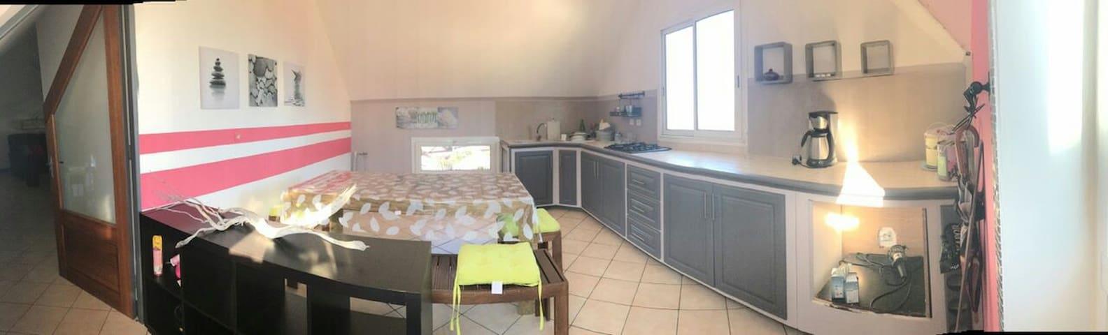 Maison-appart, belle vue, au calme - La Possession - Apartmen