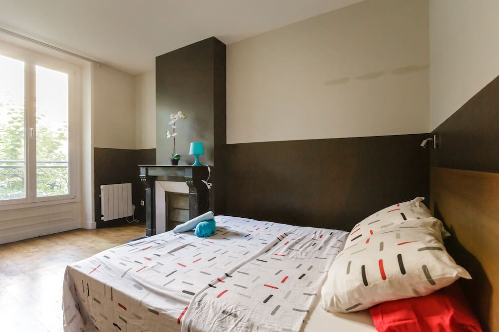 The first bedroom Number of beds (more than 6 sleeps : 2 real double beds each + 1 sofa bed for 2 guest + 1 Air-mattress for 2 guests)