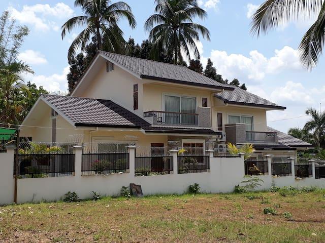 Sein Maung Villa Residence