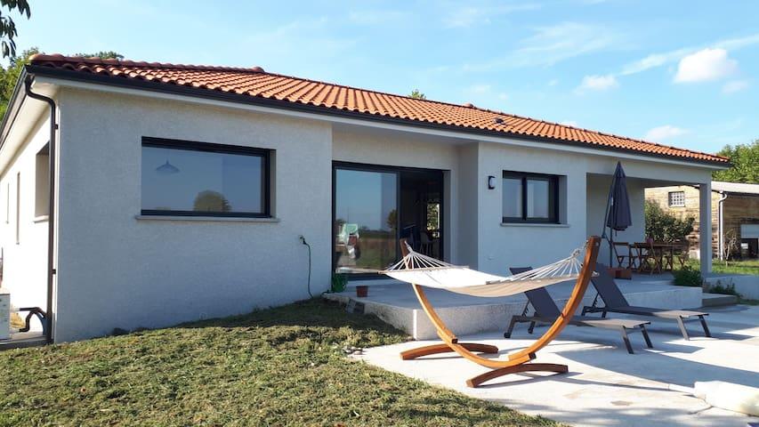 Maison neuve avec jardin proche de Marciac