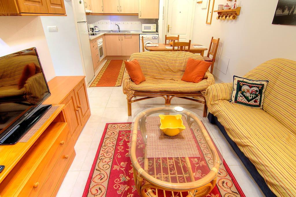 Apartamento en los alcazares apartamentos en alquiler en for Piscina los alcazares