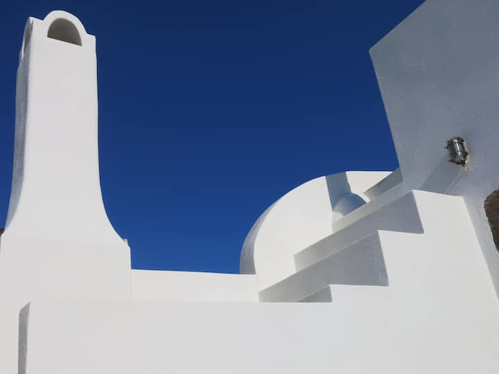 Traditional House in Santorini