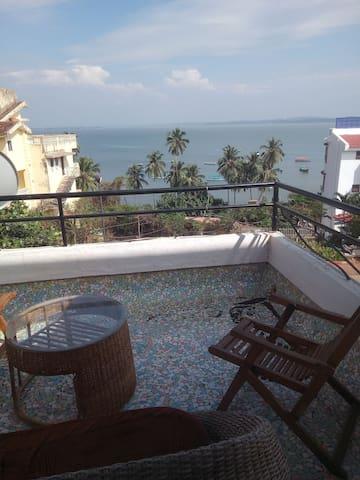 Seaview 2bedrooms in Apartment in Dona Paula