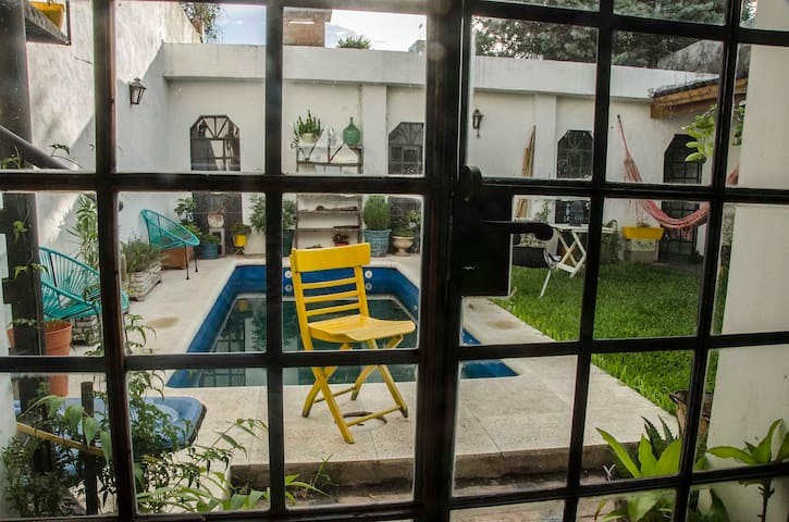 Private Room in Bs As, with garden and pool! - Buenos Aires - Huis