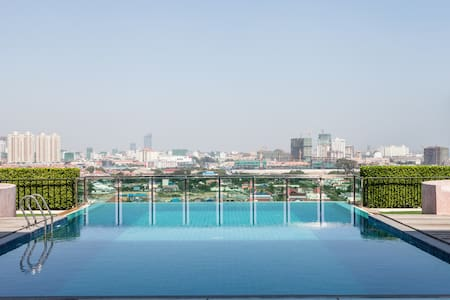 Beautiful 2-bedroom with pool - Phnom Penh