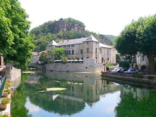 Comfortable townhouse in idyllic French village.
