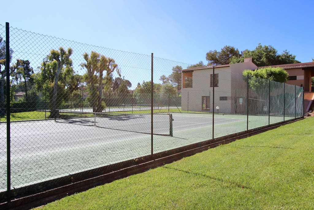 X2 tennis courts