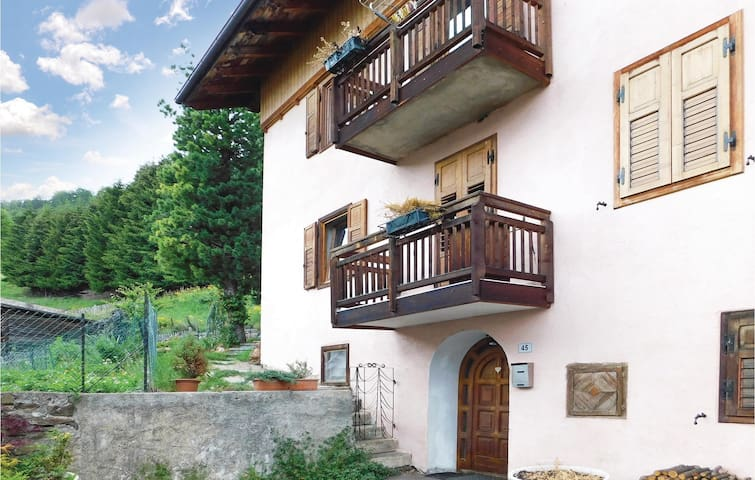 Holiday apartment with 1 bedroom on 60 m² in Pejo -TN-