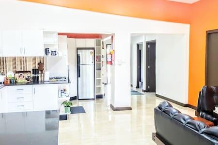 Giadas Haven -  rent bedroom 4 (separate entrance)