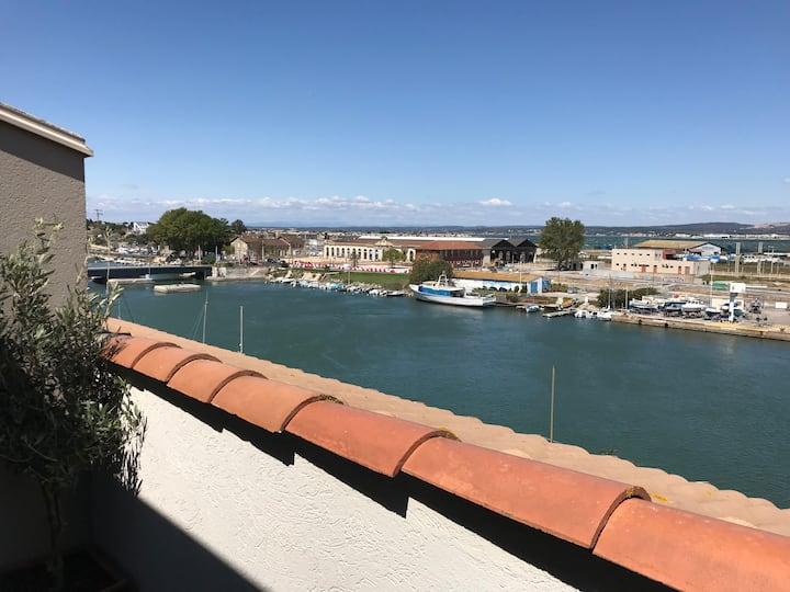 Duplex cosy vue canal et étang, terrasse, parking