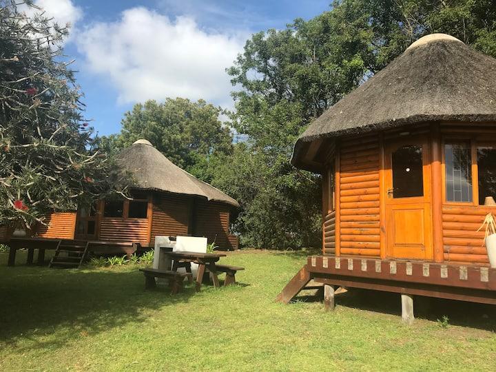 "Cozy Rustic Log Cabin ""Warthog "" Antlers Lodge"