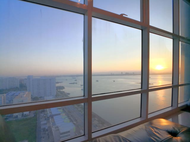 Sunrise Seaview Duplex at Georgetown, level 15