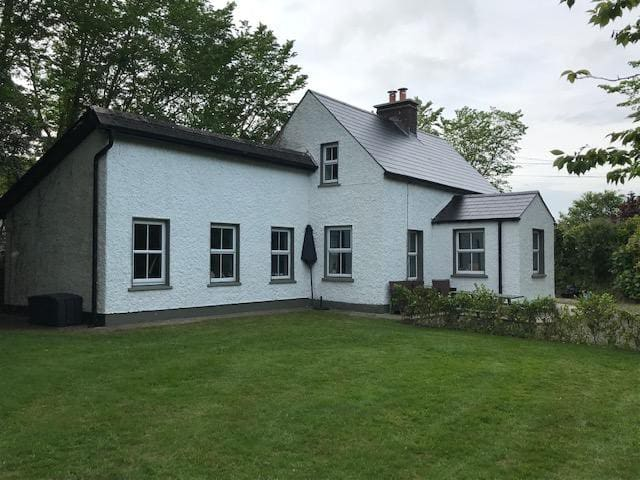 Beautiful Ballymurn cottage in tranquil location.